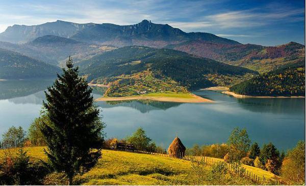 Lacul-Izvorul-Muntelui-Bicaz